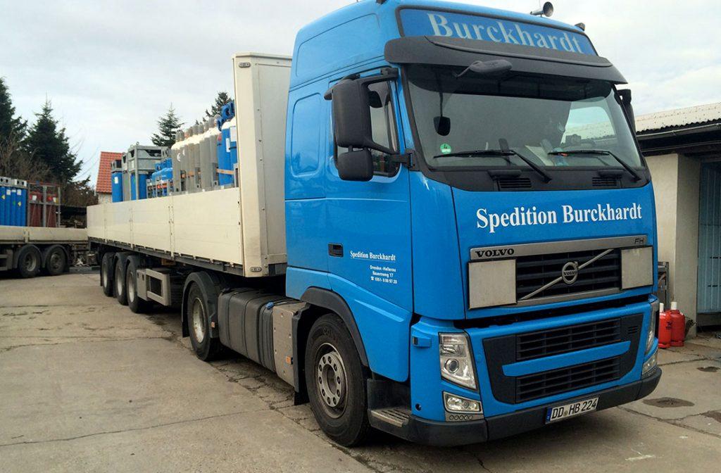 Transport von Gefahrgut Technischer Gase mit Sattelzug