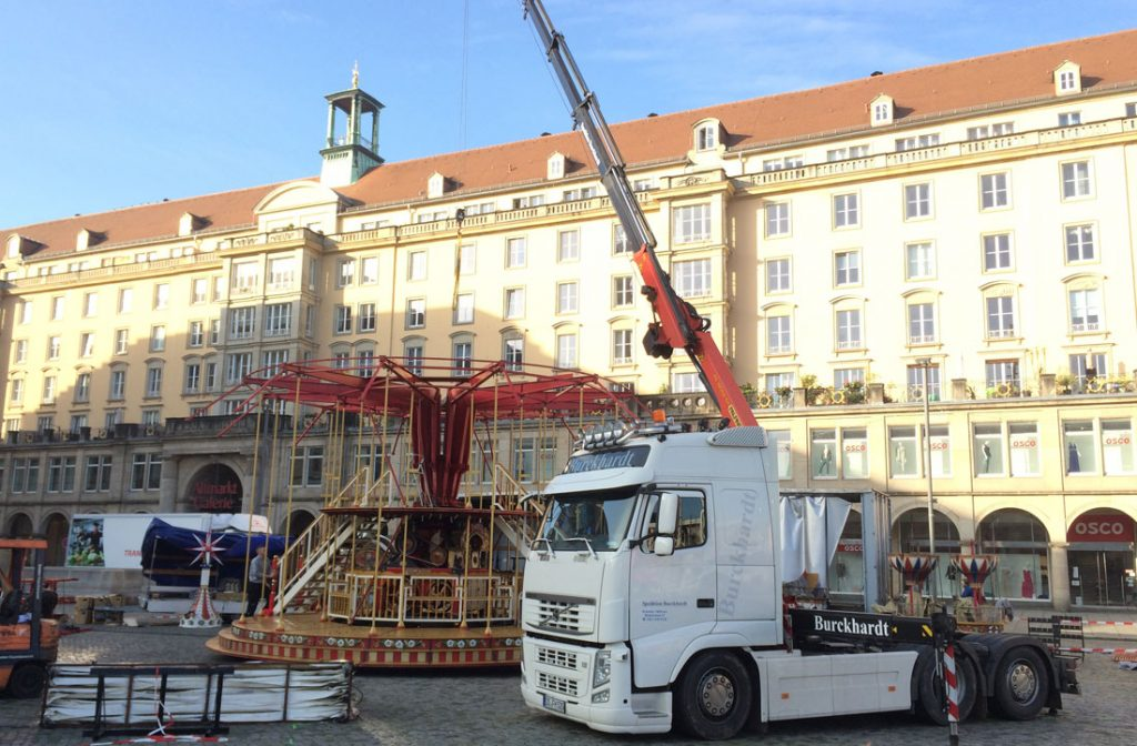 Kranarbeiten Altmarkt Dresden Striezelmarkt