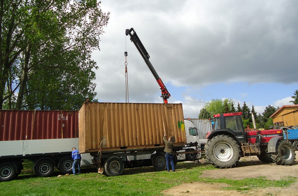 Transport mit Kran (Container)