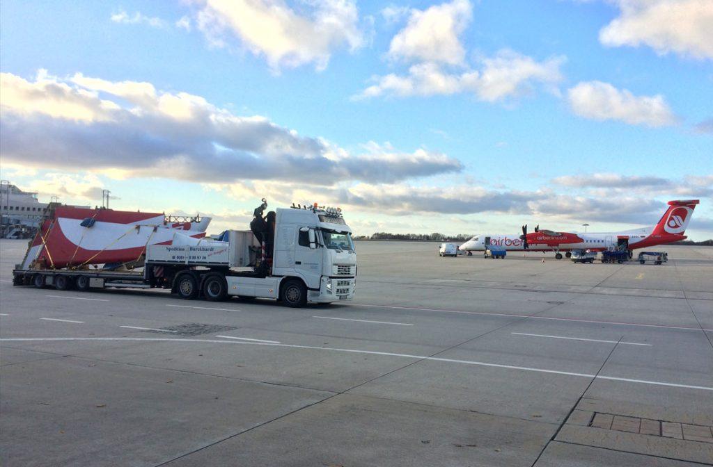 Transport von fragilen Flugzeugteilen Flughafen Dresden